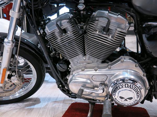 Harley Davidson Sportster 883 Black
