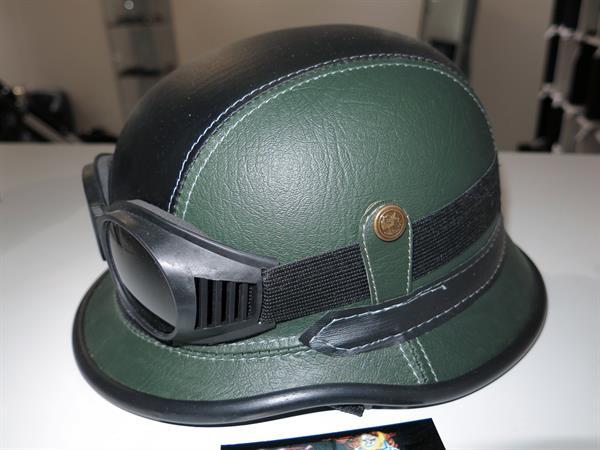 Elmetto verde nero