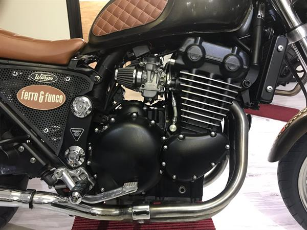 Cafe' Racer Triumph 900