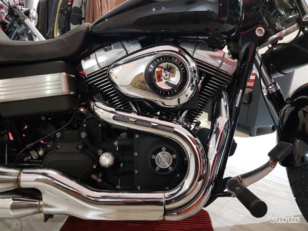 Harley-Davidson Dyna Fat Bob 1584 nera