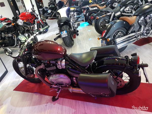 Triumph Bonneville Bobber 1200 Red Abs 2017