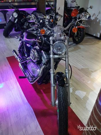 Harley Davidson Sportster 883C Custom
