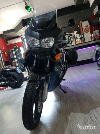 Honda Varadero 1000 Nera