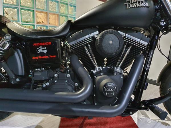 Harley-Davidson Dyna Street Bob 1690 Full Black
