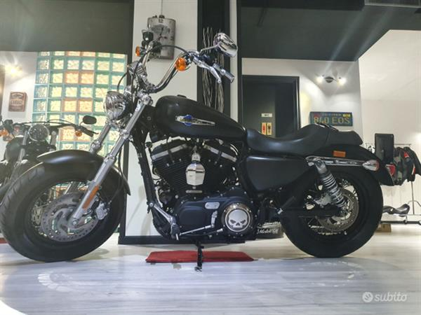 Harley-Davidson Sportster 1200 Custom Abs Full Black