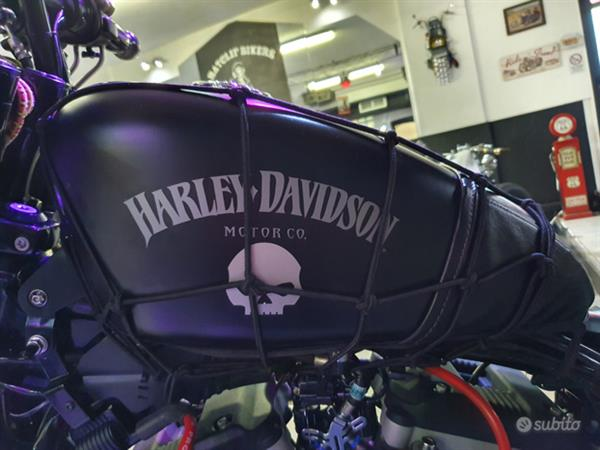 Harley-Davidson Sportster 883 Iron Speciale