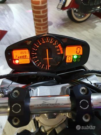 SUZUKI GSR 600 Leovince Sbk