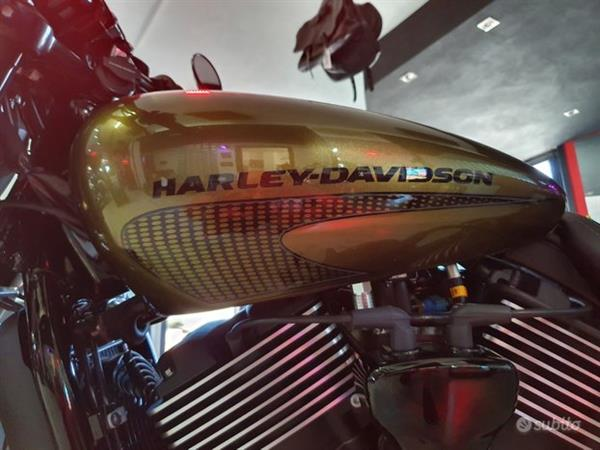 HARLEY-DAVIDSON Street Rod 750 Abs S&S