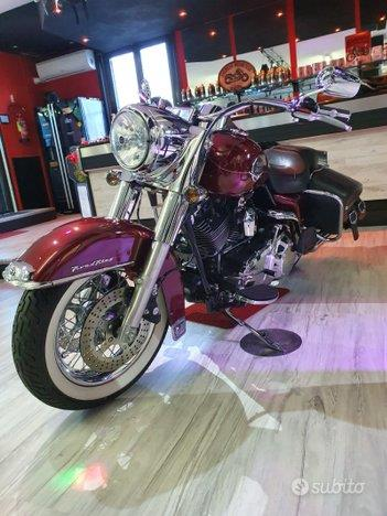 HARLEY-DAVIDSON FLHR Road King 1584 Special Candy Rouge