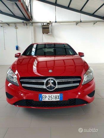 MERCEDES-BENZ Classe A200 Sport Red ( W176 )