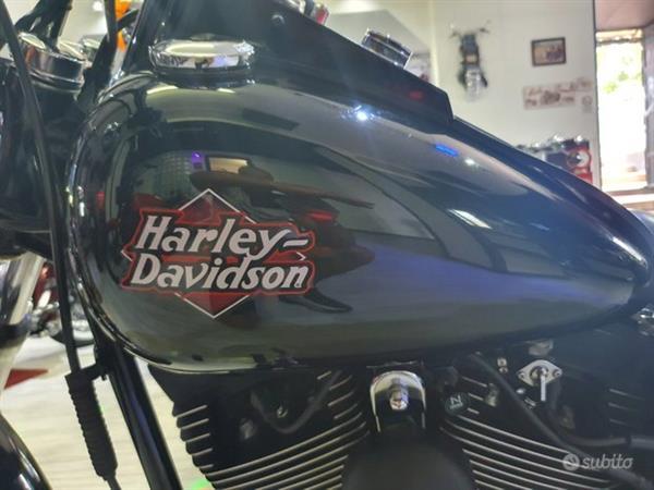 HARLEY-DAVIDSON SOFTAIL FXSTB NIGHT TRAINE 1450 BLACK