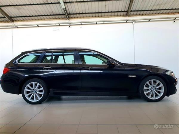 BMW 530d xDrive Touring Futura Restyling Nera 258 Cv
