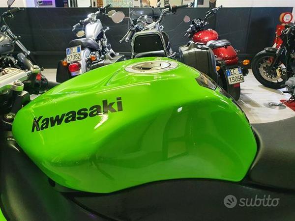Kawasaki Ninja ZX-6R Leovince Sbk 25 KW - My 2010